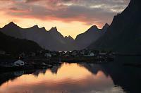 Нажмите на изображение для увеличения.  Название:Lofoten Reine.jpg Просмотров:71 Размер:177.9 Кб ID:332048