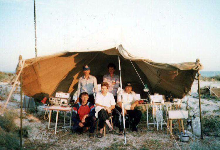 UE6AEK 1998 - RA6AAW, RV6AER, RV6AHJ, RW6AHX (SK), RN6CD.