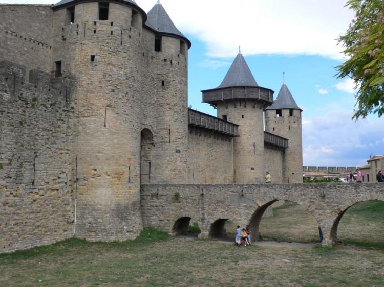 Старинная крепость во Франции, Каркасон