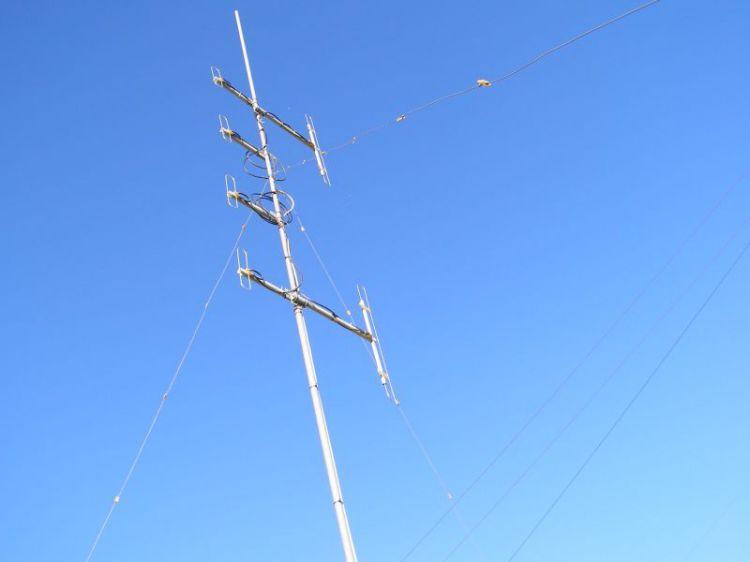 Петлевые вибраторы на ЧМ 145 и 438  US5QLJ