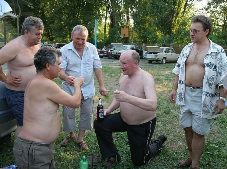 Слет Радиолюбителей Юга России 2006 г. Тост за Антенну на коленях!