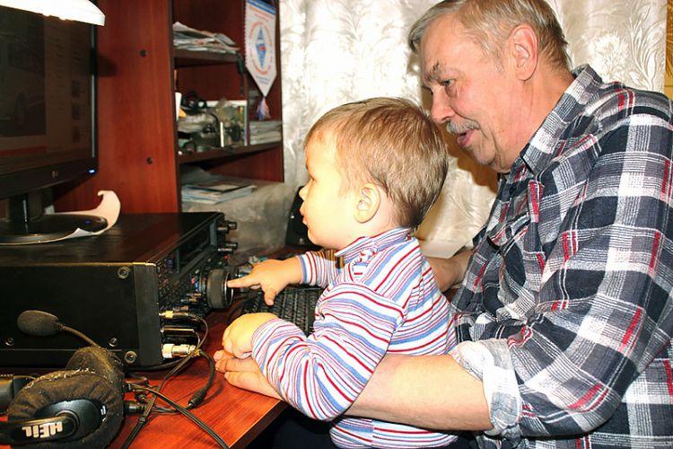 UA3SAQ с внуком