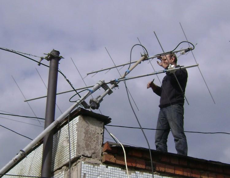Антенны собраны и закреплены. 7эл. DK7ZB 144МГц, 10эл. DK7ZB 430МГц