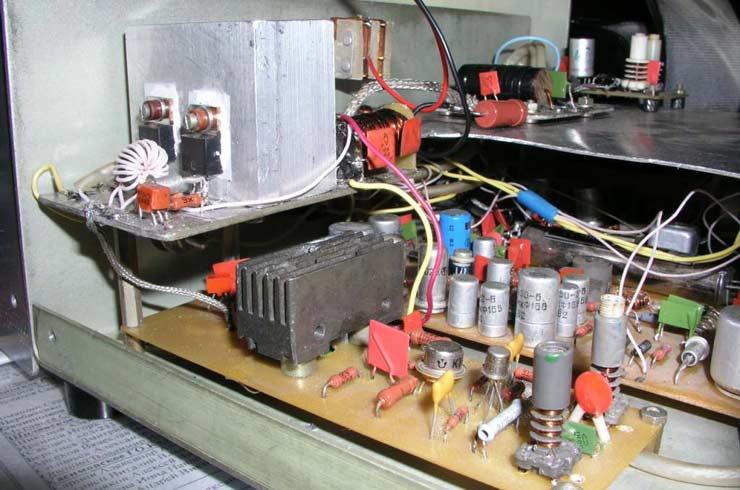 ...(в этом случае надо установить делитель и переменный резистор), или подключить к ALC как в оригинале.