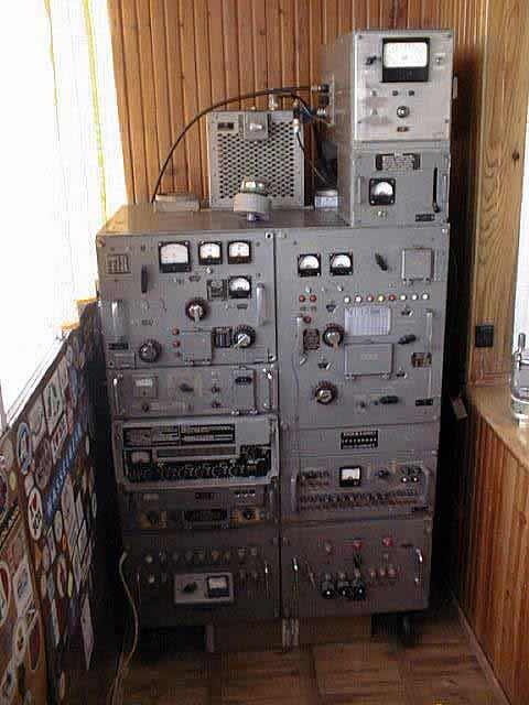 """Когда радиостанция  """"Р-140 """"( """"Полоса-Н """") выпускалась для целей ГВФ, ей было присвоено наименование  """"Берёза """" и она имела..."""