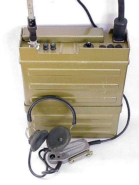 Радиостанция Р-159 - широкодиапазонная, ранцевая, приемопередающая, комплексная, телефонная, телеграфная с частотной...