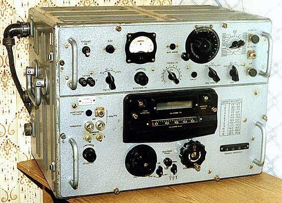 Р-250М - легендарный, коротковолновый, ламповый, настольный армейский радиоприемник.  Выпускался c 1948 по 1981 г...